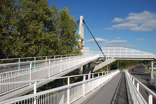 Web-Accessible-Pedestrian-Bridge-over-N81